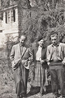 Józef, Tamara and Stefan Obrębski by their house in Hollis, NY, 1959.