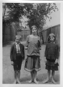The three siblings – Józef, Antonina and Maria. Łódź, ca. 1913.
