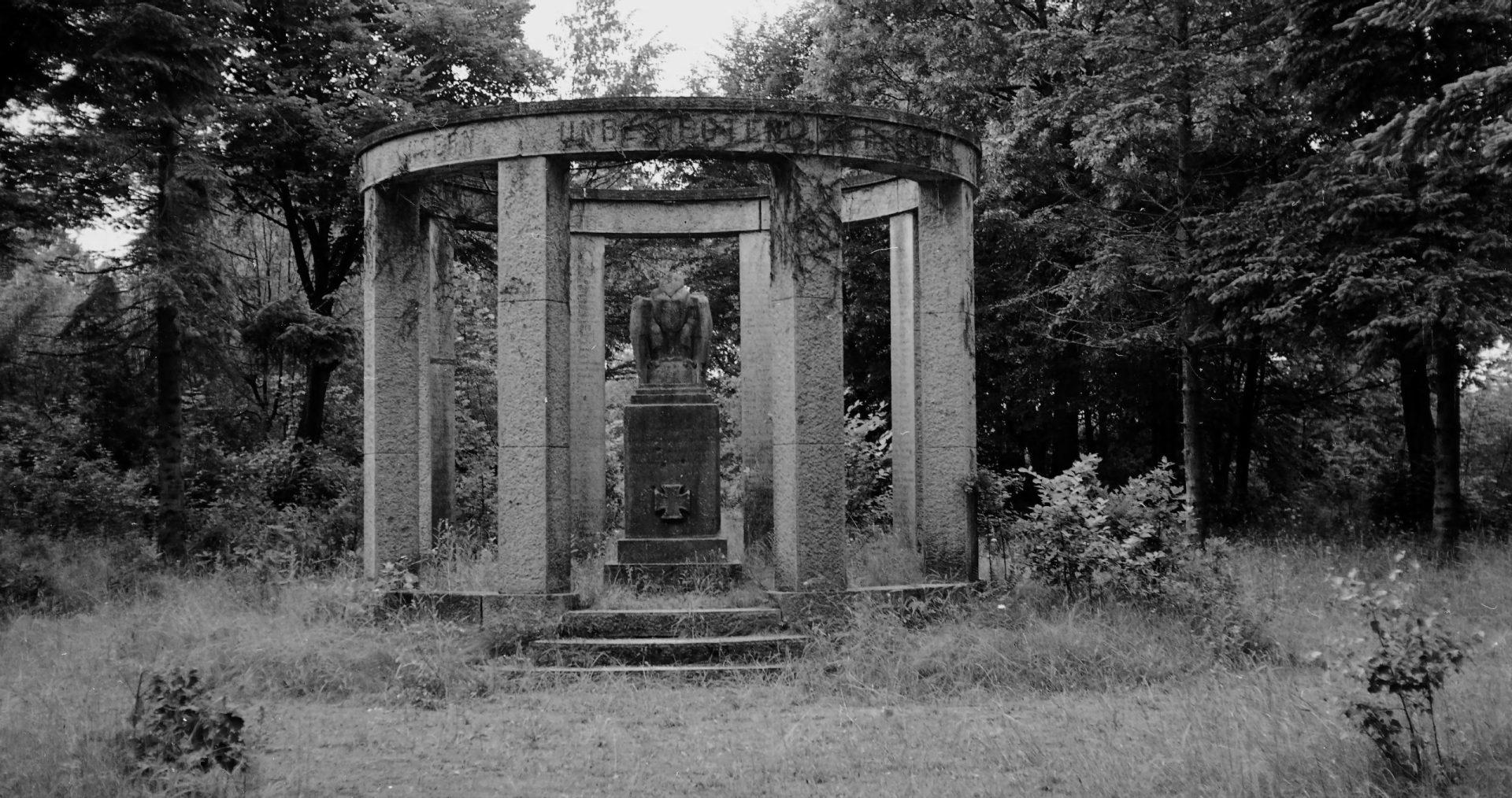 Pomniki Poległych